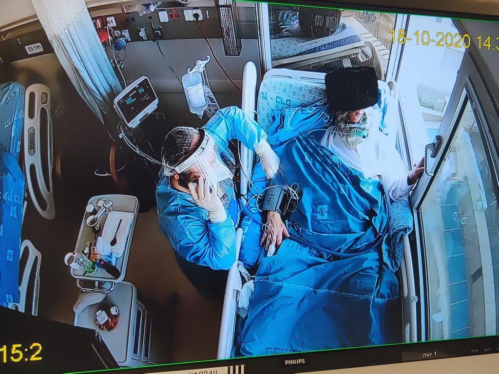 צפו: האב השתתף מחלון בית החולים בחתונת בנו