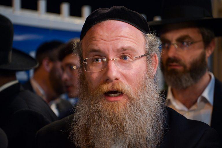 """מנהל ת""""ת 'חכמת שלמה' הרב אברהם שלום פינזל בטור מיוחד על הוראת שר התורה"""