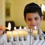 הושג הסכם: ילדי הגנים ותלמידי כיתות א' ב' ילמדו בחנוכה