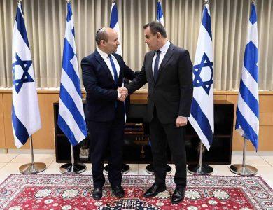 בנט נפגש שר ההגנה של יוון צילום: אריאל חרמוני/משרד הביטחון
