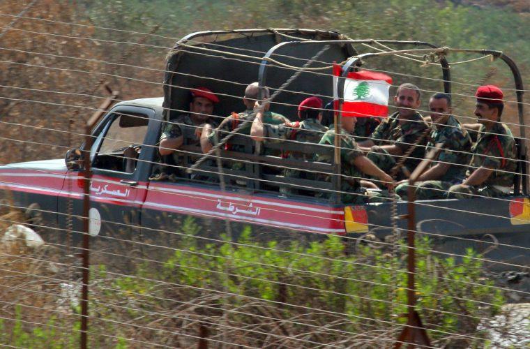 חיילים צבא לבנון מסיירים בגבול עם ישראל | צילום: Haim Azulay /Flash90.