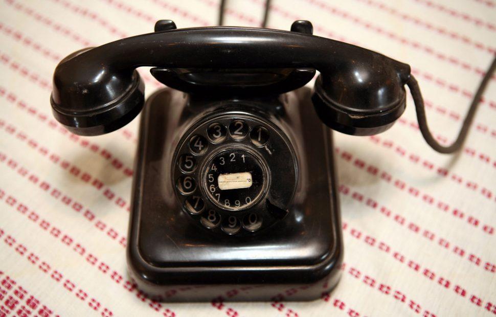 טלפון של שנות השבעים צילום פלאש 90