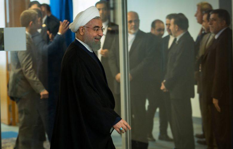 נשיא איראן חסן רוחאני ושר החוץ האירני (ברקע)   פלאש 90 îæëì îæëØì ðùéà àéøàï çñàï øåçðé